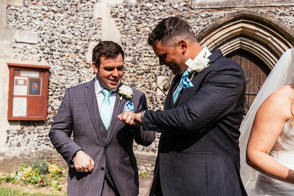 Buckinghamshire-wedding-photographer-041.jpg