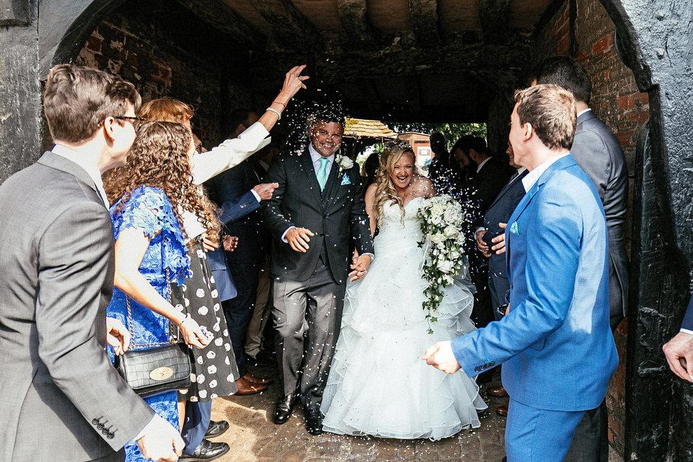 Buckinghamshire-wedding-photographer-045.jpg