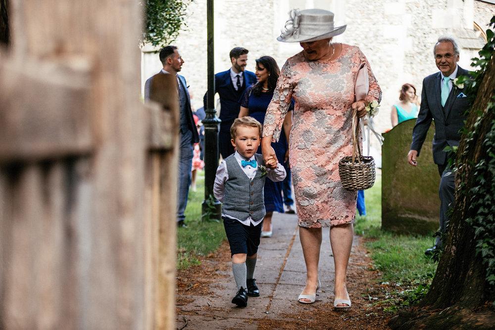 Buckinghamshire-wedding-photographer-046.jpg