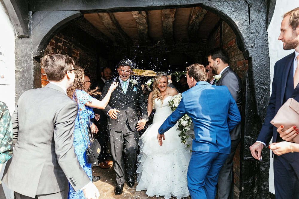 Buckinghamshire-wedding-photographer-047.jpg