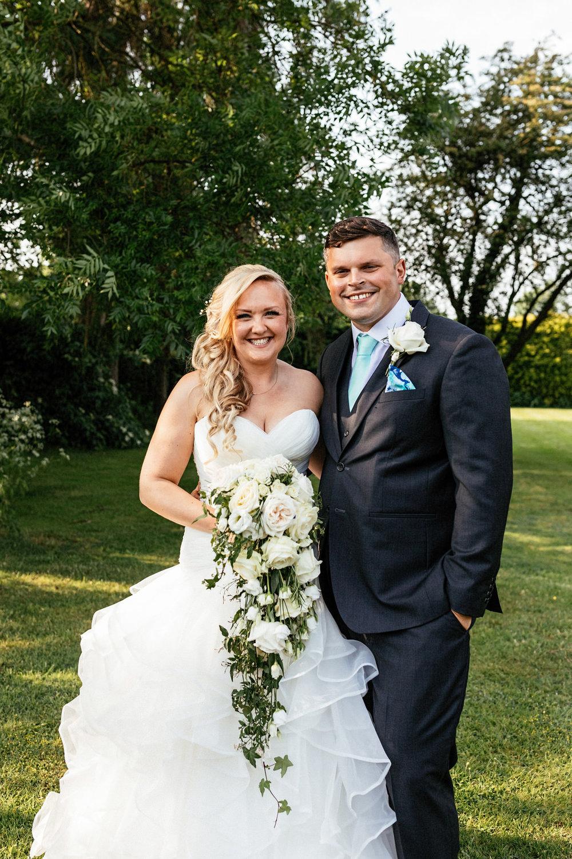 Buckinghamshire-wedding-photographer-056.jpg