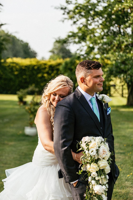 Buckinghamshire-wedding-photographer-059.jpg