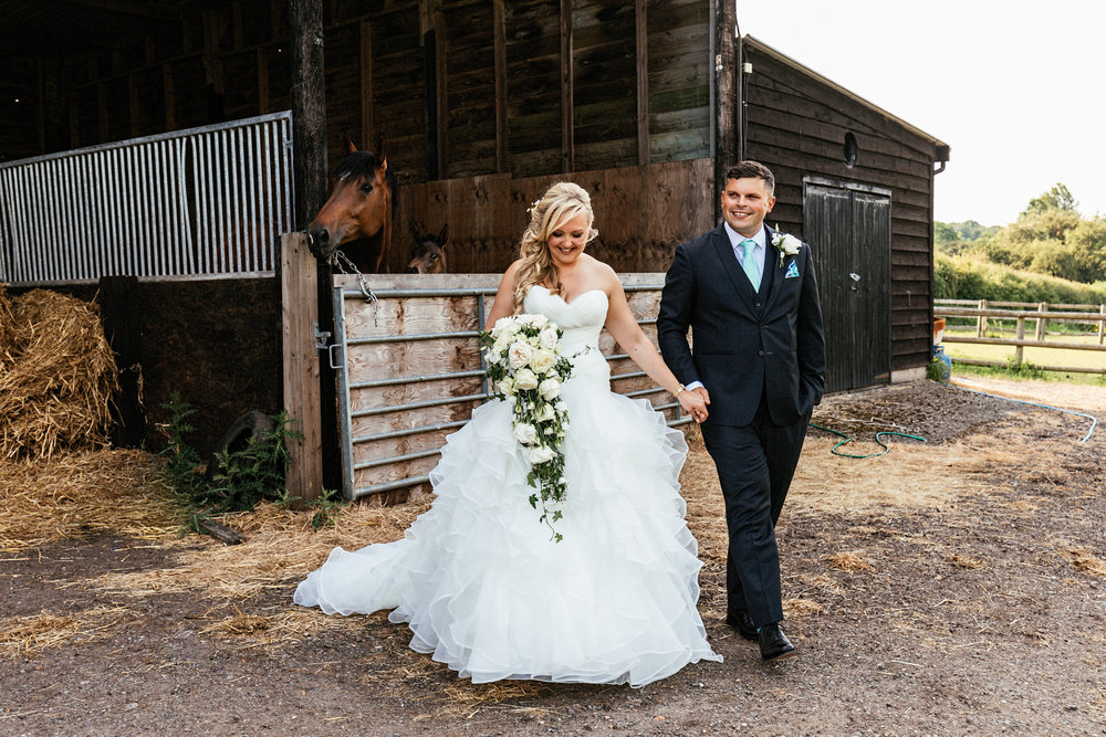 Buckinghamshire-wedding-photographer-064.jpg