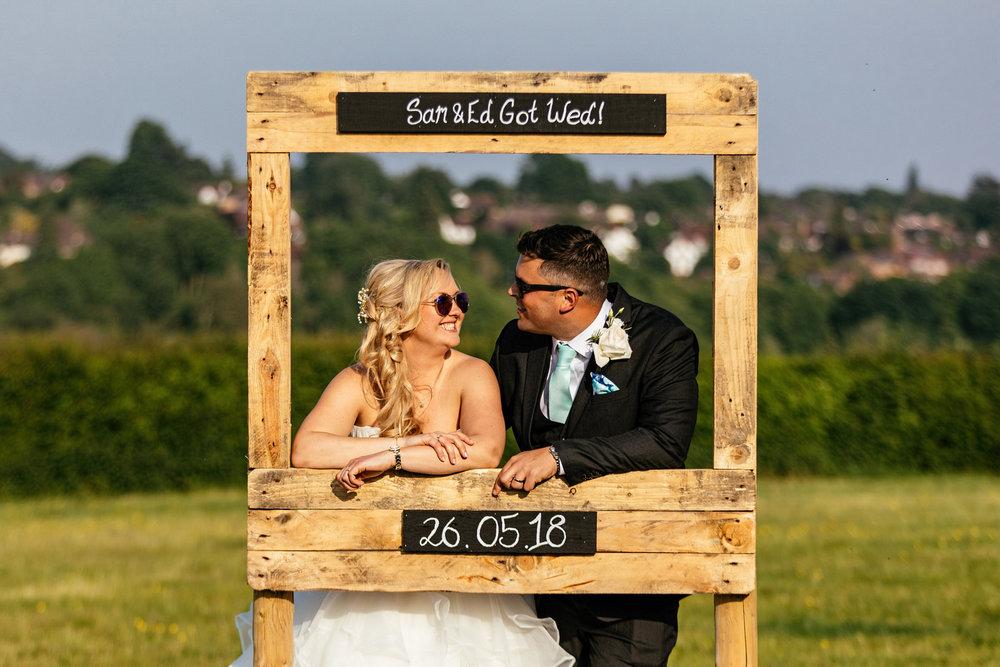 Buckinghamshire-wedding-photographer-070.jpg