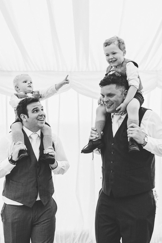 Buckinghamshire-wedding-photographer-072.jpg