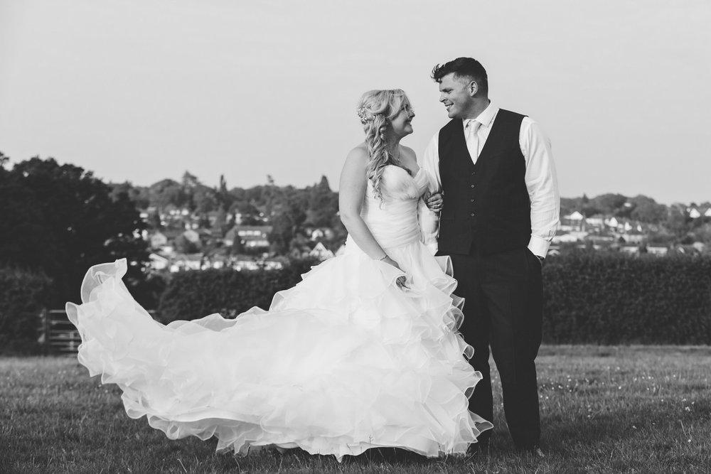 Buckinghamshire-wedding-photographer-074.jpg