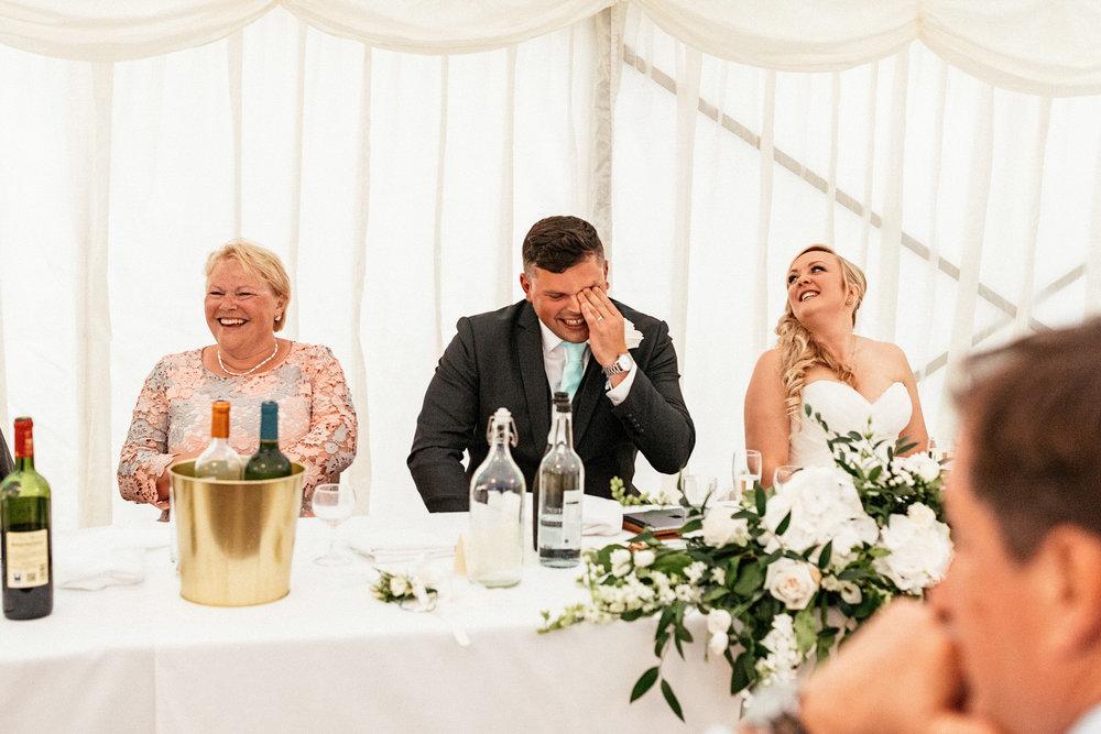 Buckinghamshire-wedding-photographer-090.jpg