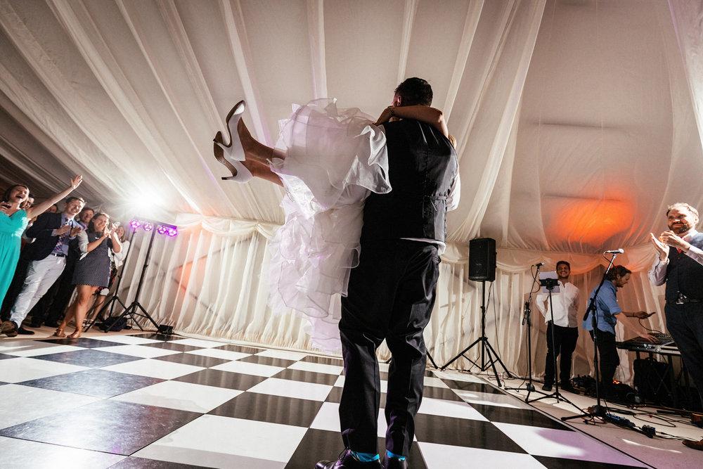 Buckinghamshire-wedding-photographer-094.jpg