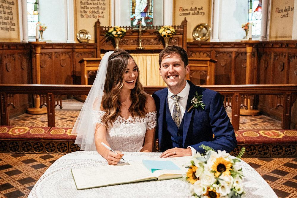 Ashton-Memorial-Wedding-Photographer-032.jpg