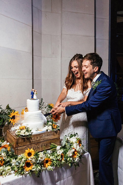 Ashton-Memorial-Wedding-Photographer-092.jpg