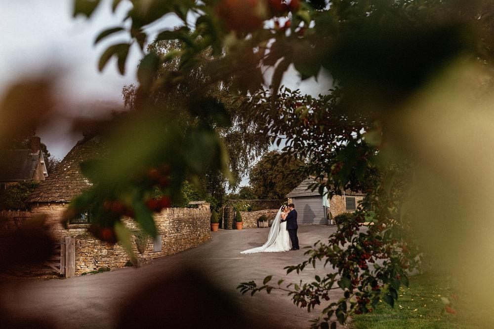 Winkworth-Farm-Wedding-Photographer-098.jpg