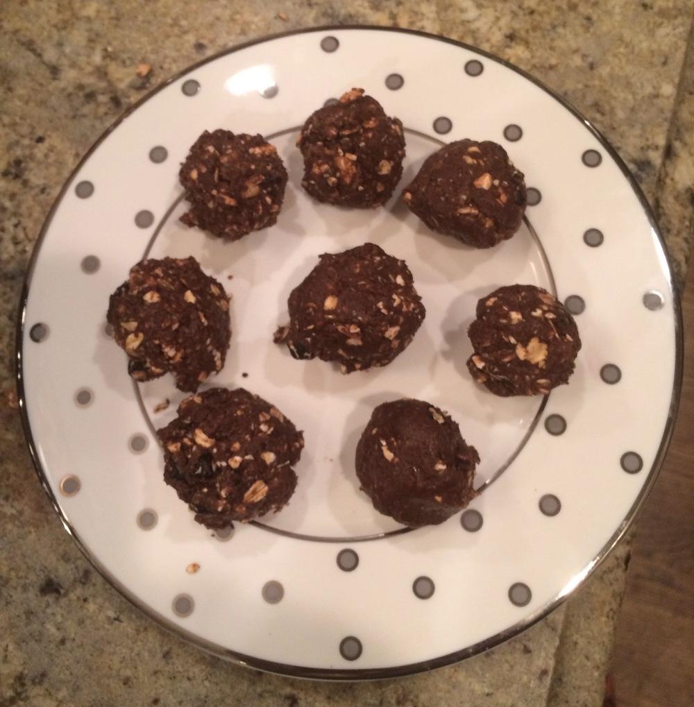 Chocolate Shakeology no bakes - yum!