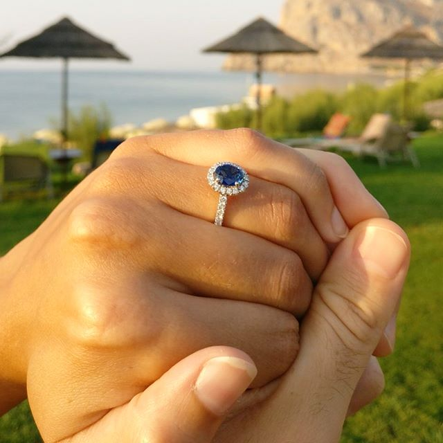 With so many destination proposals this year we too feel like going on holiday. A ring in the making for a few months our beautifully handcrafted ring has travelled to Rhodes where David popped the question to his soon to be wife Jen. The feeling you get when you get sent photo of the proposal 🙌🏽 #veryhappy #rhodes #ringselfie #burtandgurt #burtandgurtjewellery #couplegoals #relationshipgoals #want #holiday #trending #now #shesaidyes #proposal #bridalmagazine @brides @londonbride @bridesmagazine @jewellerylondon #regal #engagedtobemarried #engaged #tagsomeone