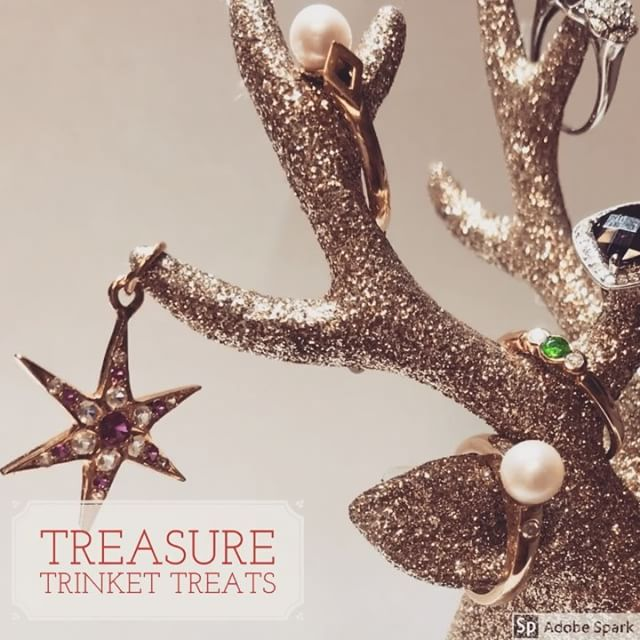 Is it the weekend yet?  Another busy week at the Burt and Gurt studio and we have got some amazing last minute treasure trinkets to add to your stocking filler.  Simply DM me for more info these little treasures are looking for new homes 😍 #treasuretrinket #stockingfillers #christmastime #treatyoself #gemstonejewelry #littlefinds #jewelerygram #vintageshop #want #trinkets #cutejewelry #mistletoekisses #christmasgifts
