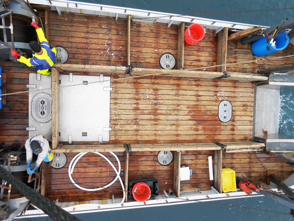 Deck-1.jpg