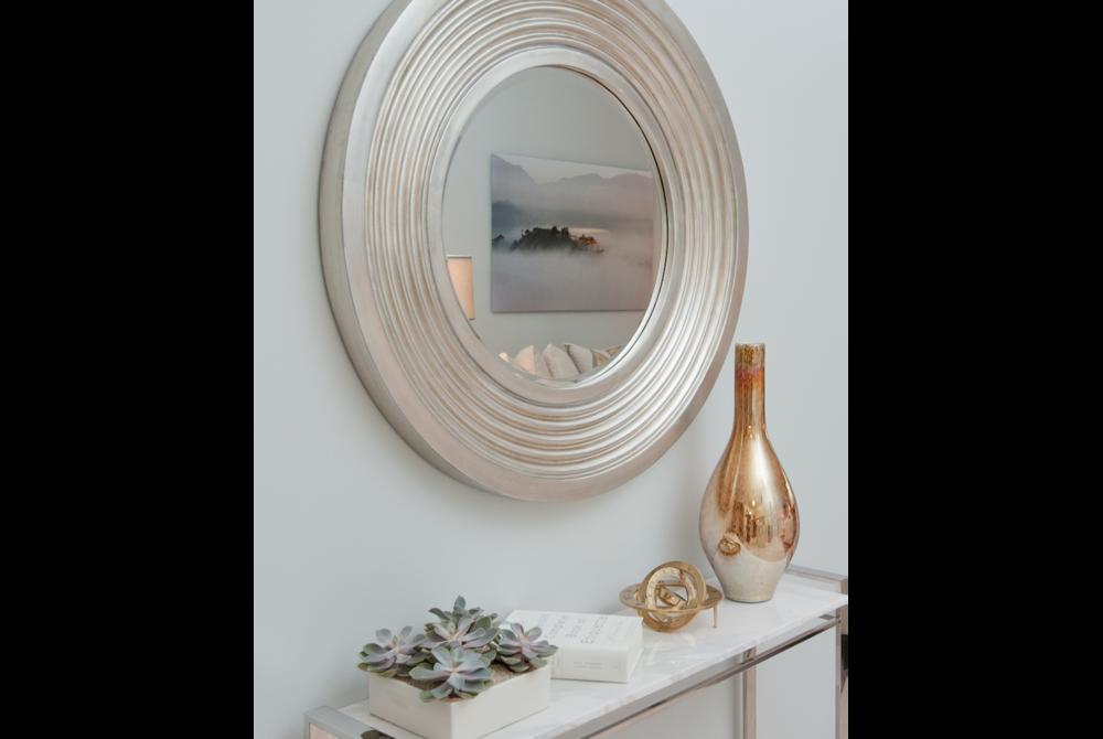 round mirror.png