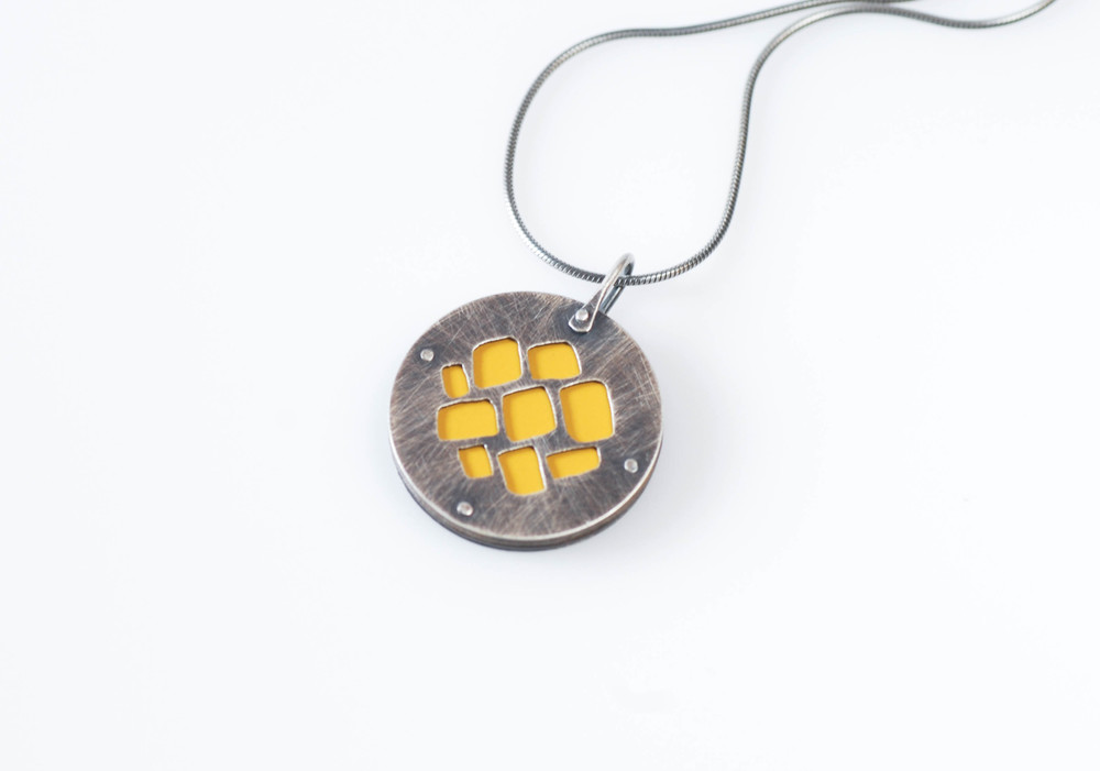 windows-reversible pendant.jpg
