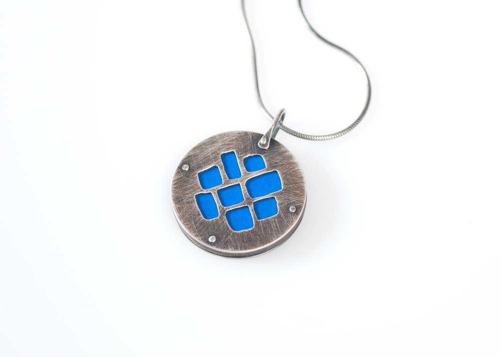 windows-reversible pendant2.jpg