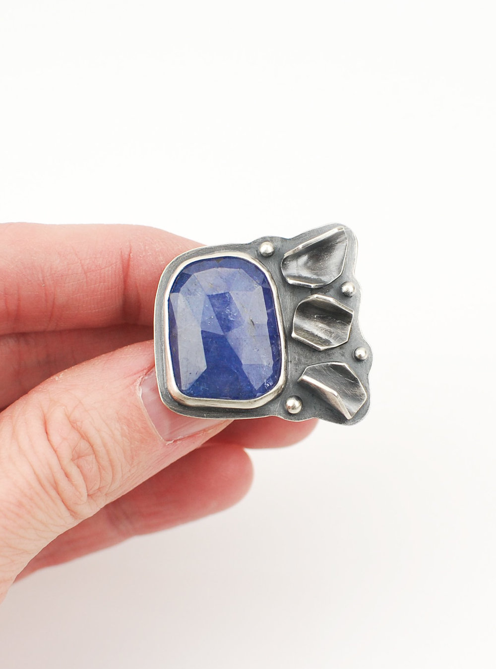 tanzanite ring4.jpg