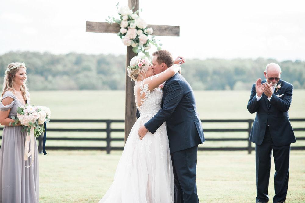 georgia-wedding-kiss-33.jpg