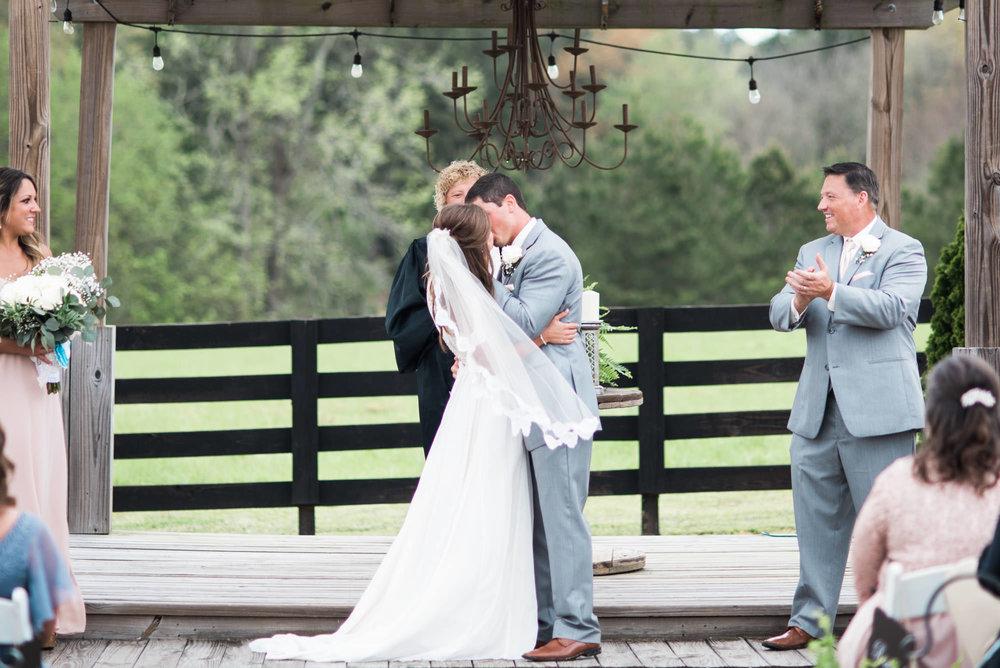 Athens-Wedding-kiss-42.jpg