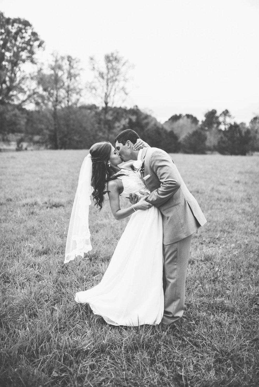 Athens-Wedding-kiss-Photography-46.jpg