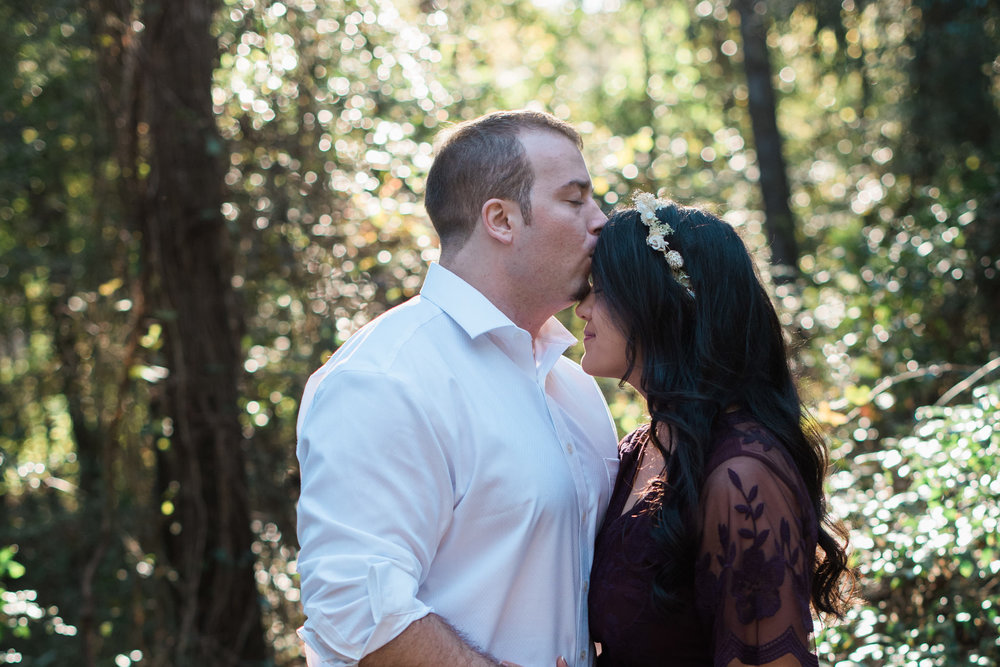 athens-engagement-kiss.jpg
