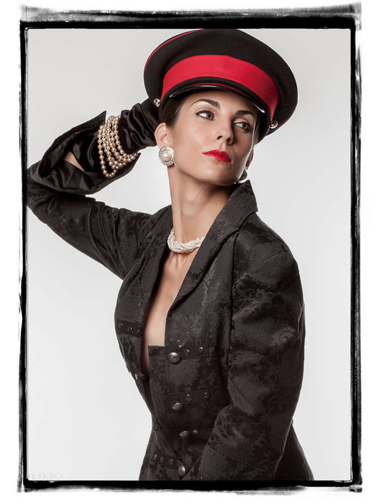 I had the pleasure of working with Brenda back in 2012. Great person and very experienced model!