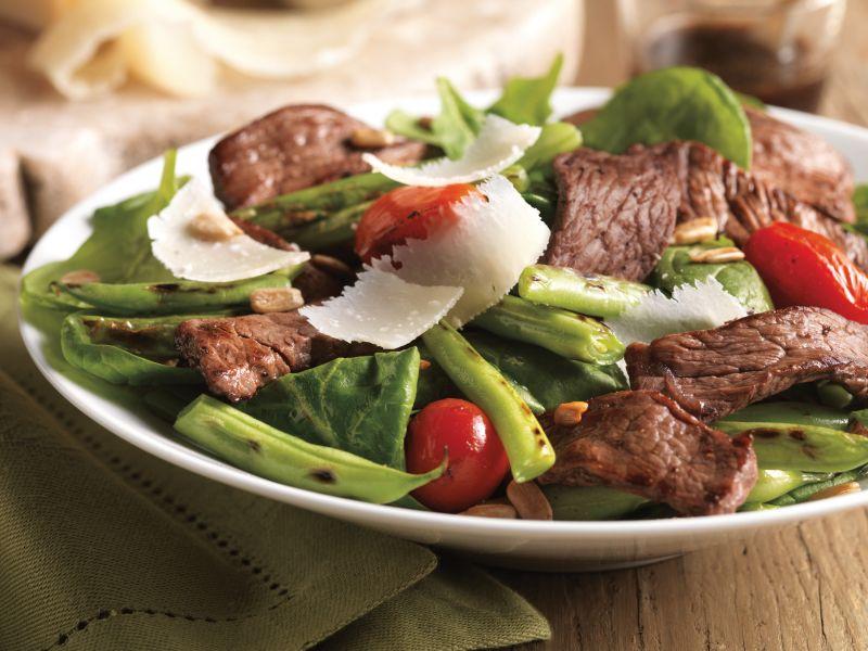 steak-green-bean-and-tomato-salad-horizontal.jpeg