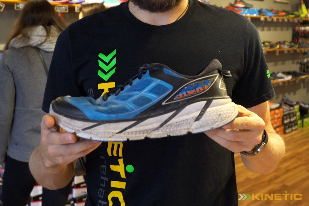 Example of a maximal trail running shoe.