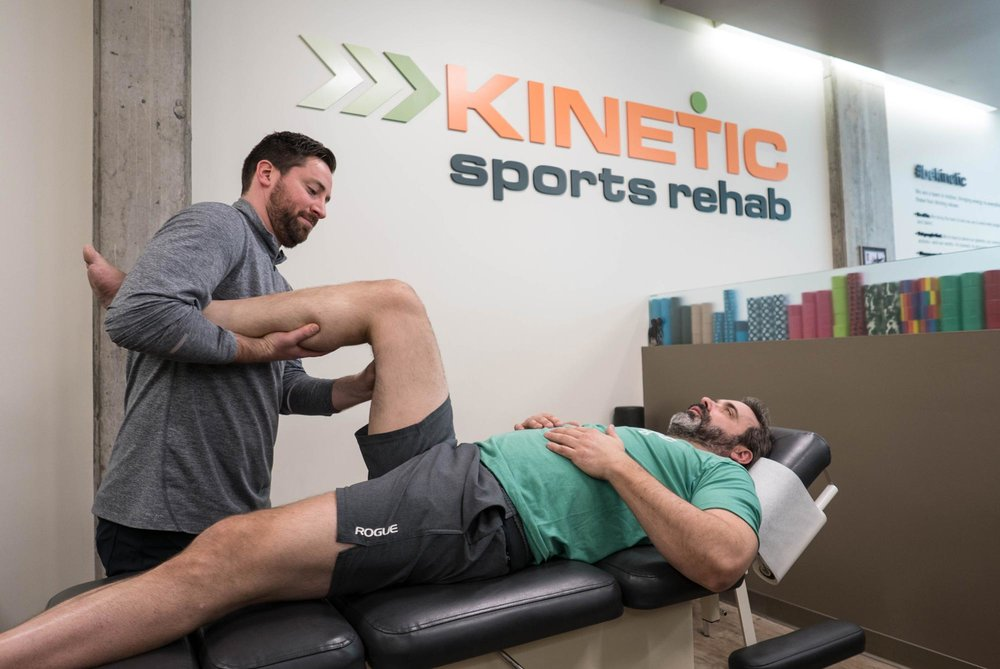 Chiropractic_Therapy_Knee_Pain_Kinetic_Sports_Rehab.jpg