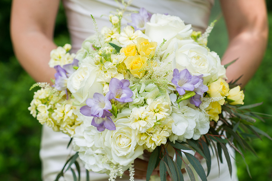 Read Geny's Guide to Choosing Your Wedding Flowers