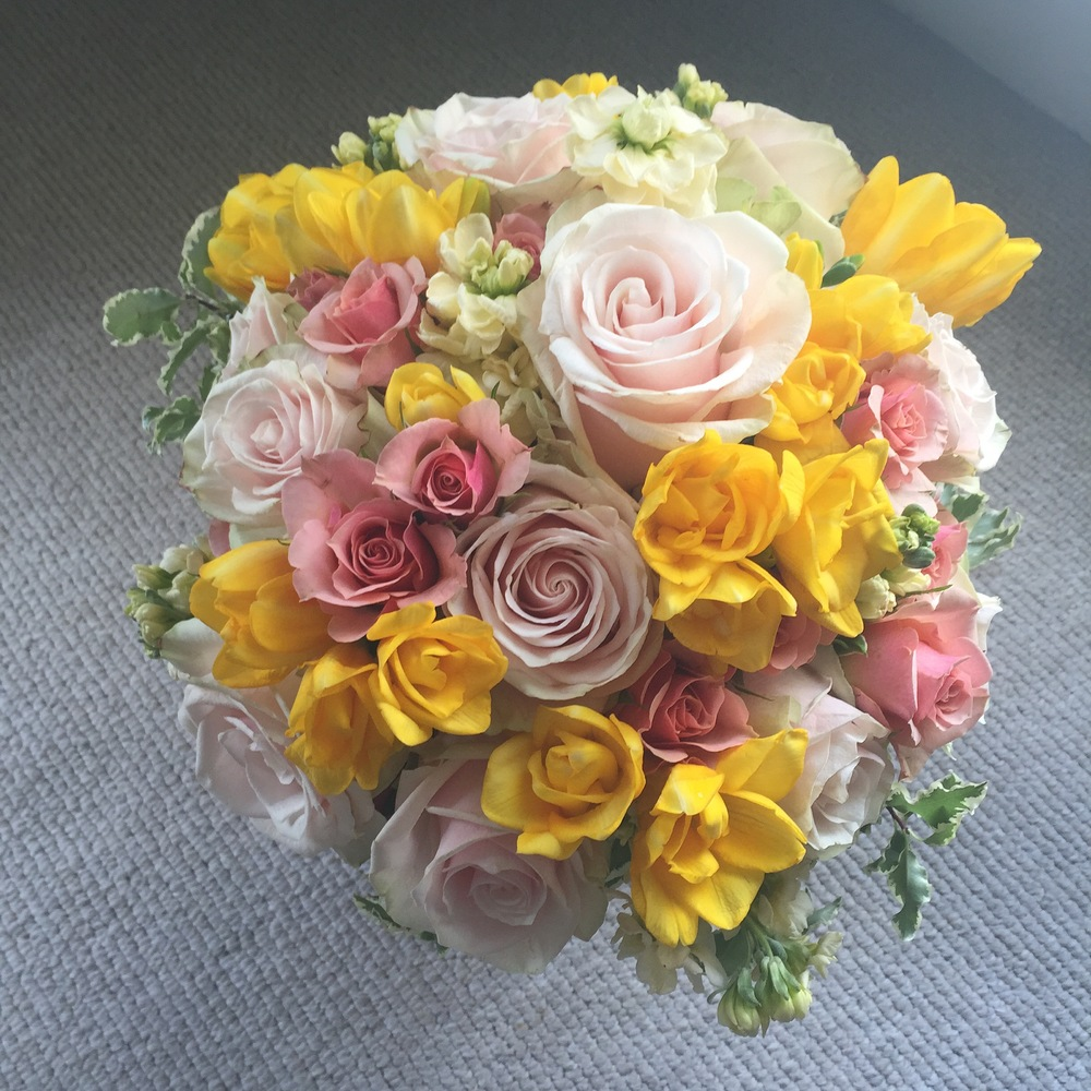 Choosing your wedding flowers colors & the emotions they convey. Click photo.
