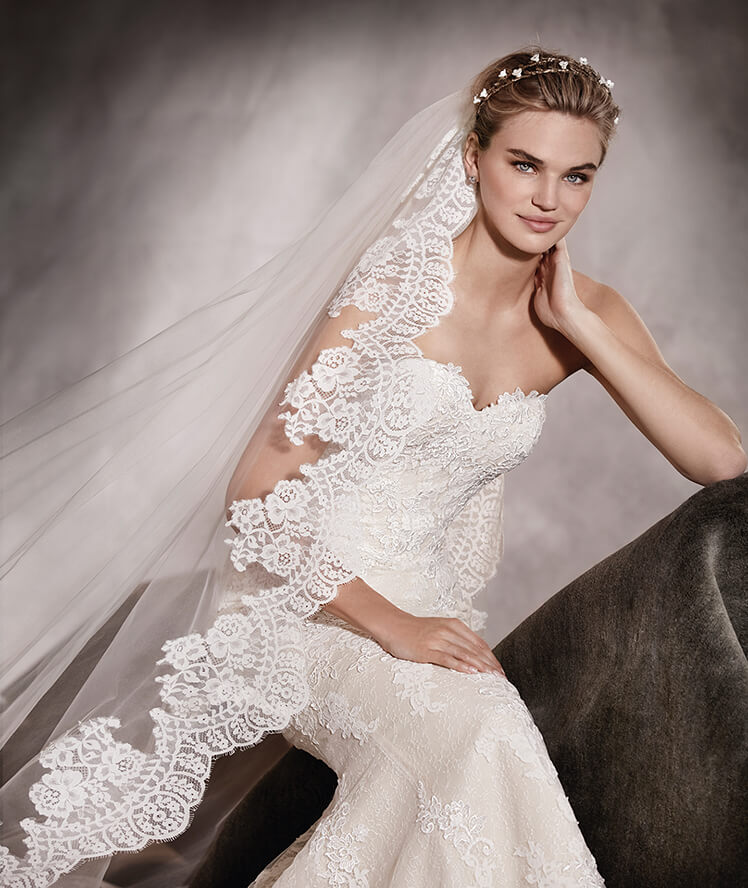 This week's feature gown is 'Princia' by Pronovias