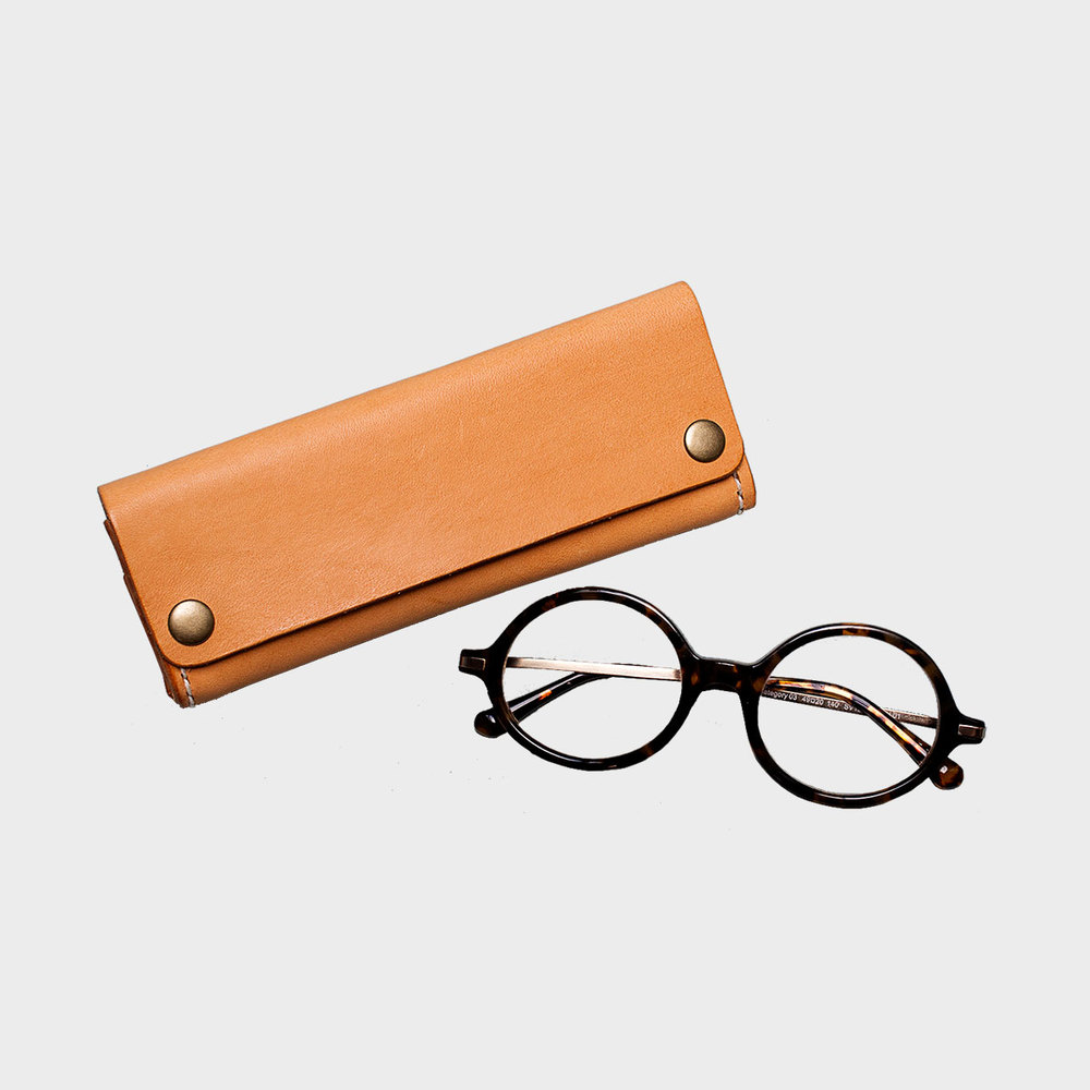 三角眼鏡盒  Triangle Glasses Case    NT$ 1,280  HDB3005