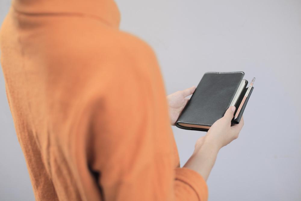 極簡筆記本  Notebook    NT$ 2,400  HDB2014