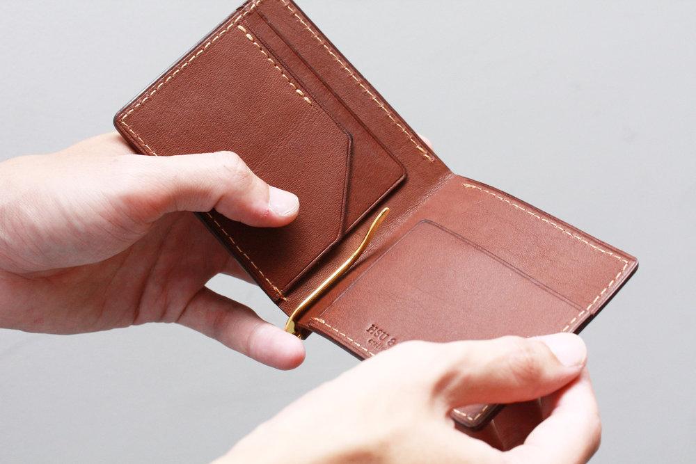 經典鈔票短夾 課程價格:NT $ 2,680 課程所需時間:3.5 hr 尺寸:11.5 x 8.5 cm