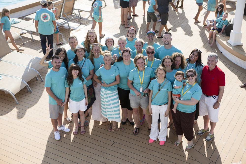 Salomé + I (on the right) along with all the members of Young Living Europe who won the   Global Leadership Cruise in the Caribbeans  !