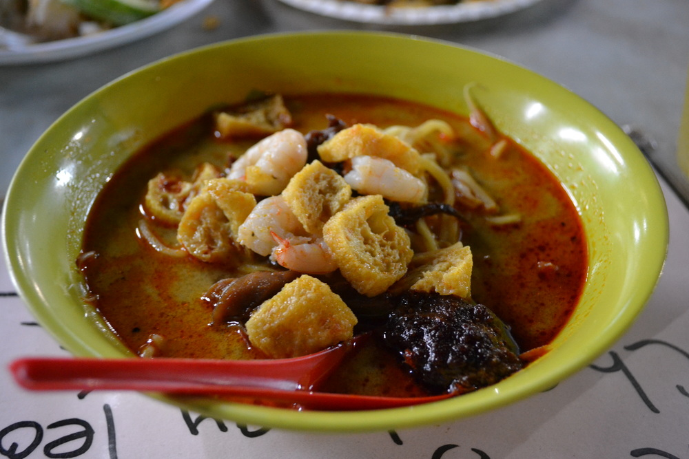 The herby hit was addictive in this laksa. Check out the sambal given to you on the side.