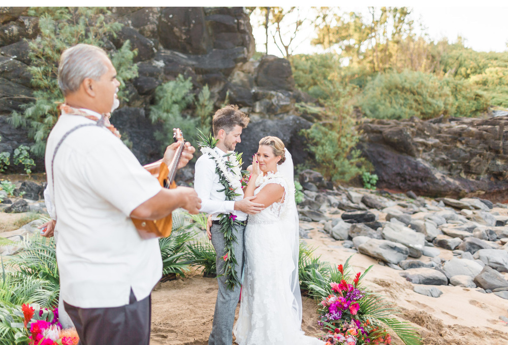 Natalie-Schutt-Photography---Maui-Elopement-Photographer_04.jpg