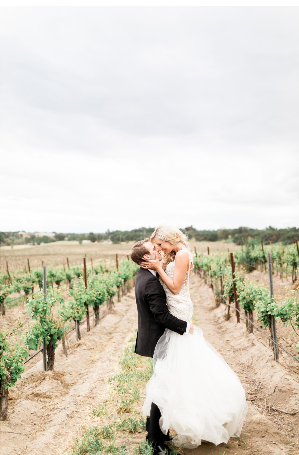 Style-Me-Pretty-Vineyard-Wedding-Natalie-Schutt-Photography_13.jpg