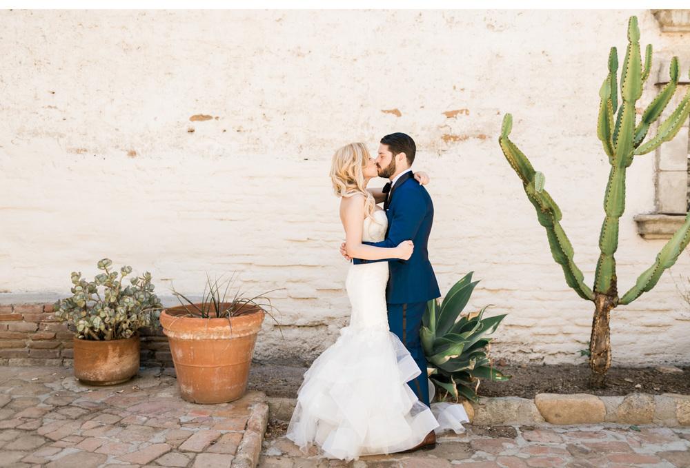 San-Luis-Obispo-Wedding-Photographer-Natalie-Schutt-Photography-Carats-and-Cake_03.jpg