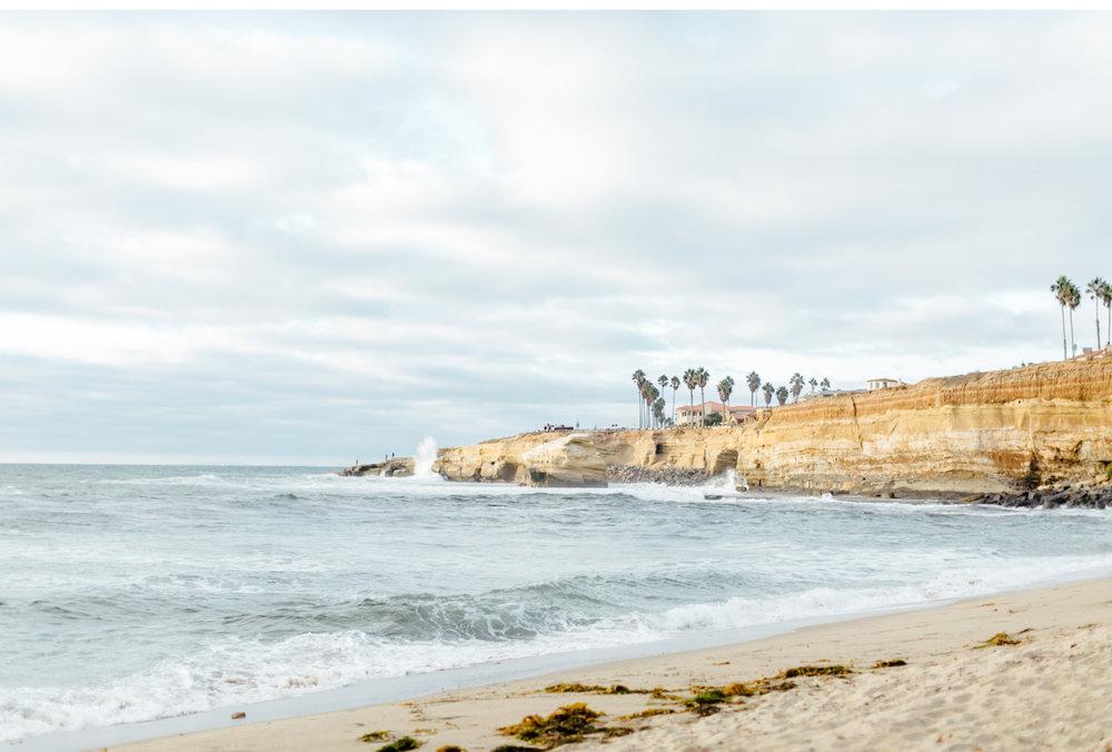 Natalie-Schutt-Photography-California-Surf-Style-Me-Pretty-Wedding_01.jpg