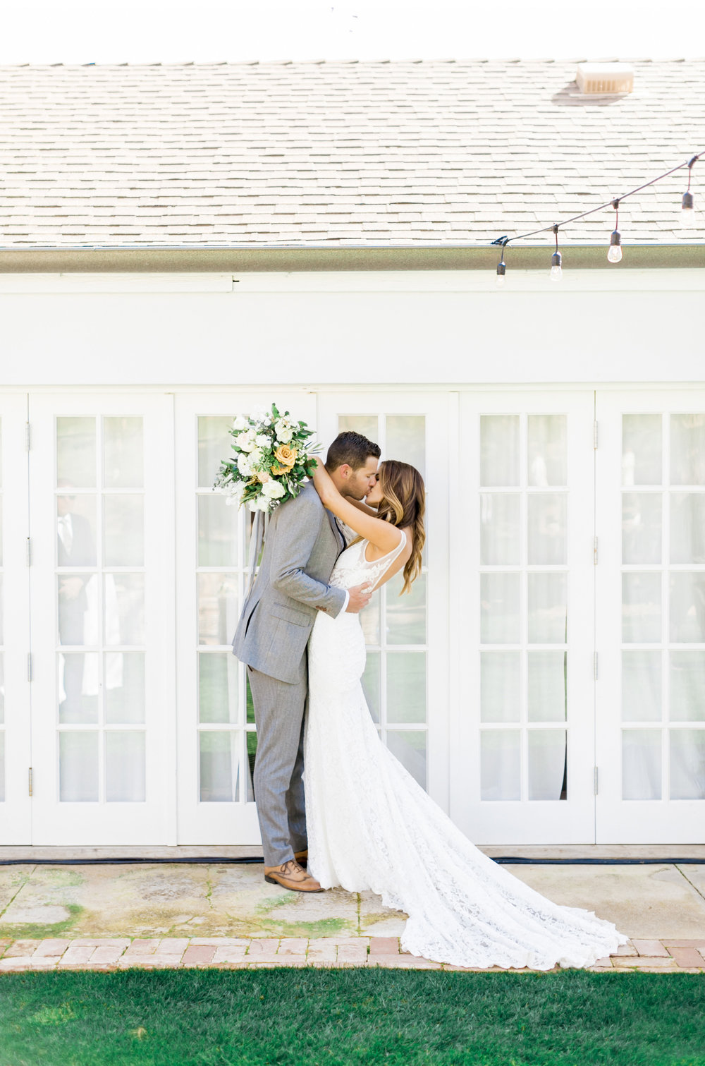 Malibu-Wedding-Photographer-Saddlerock-Ranch-Triunfo-Creek-Style-Me-Pretty_02.jpg