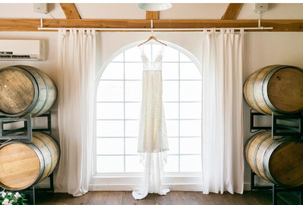 Triunfo-Creek-Malibu-Wedding-Photographer-Natalie-Schutt-Photography_01.jpg