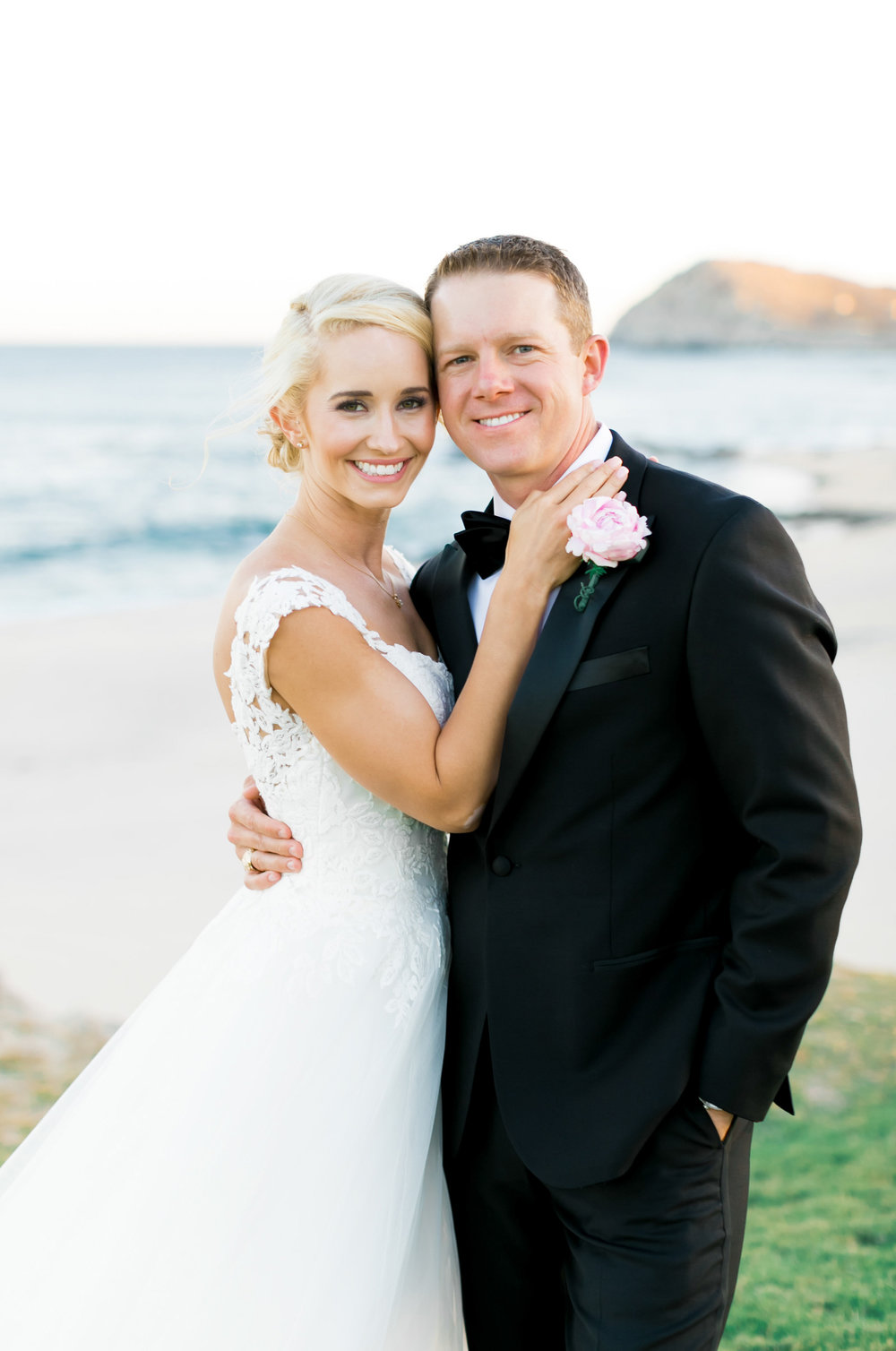Hawaii-Destination-Wedding-Natalie-Schutt-Photography-Style-Me-Pretty_10.jpg