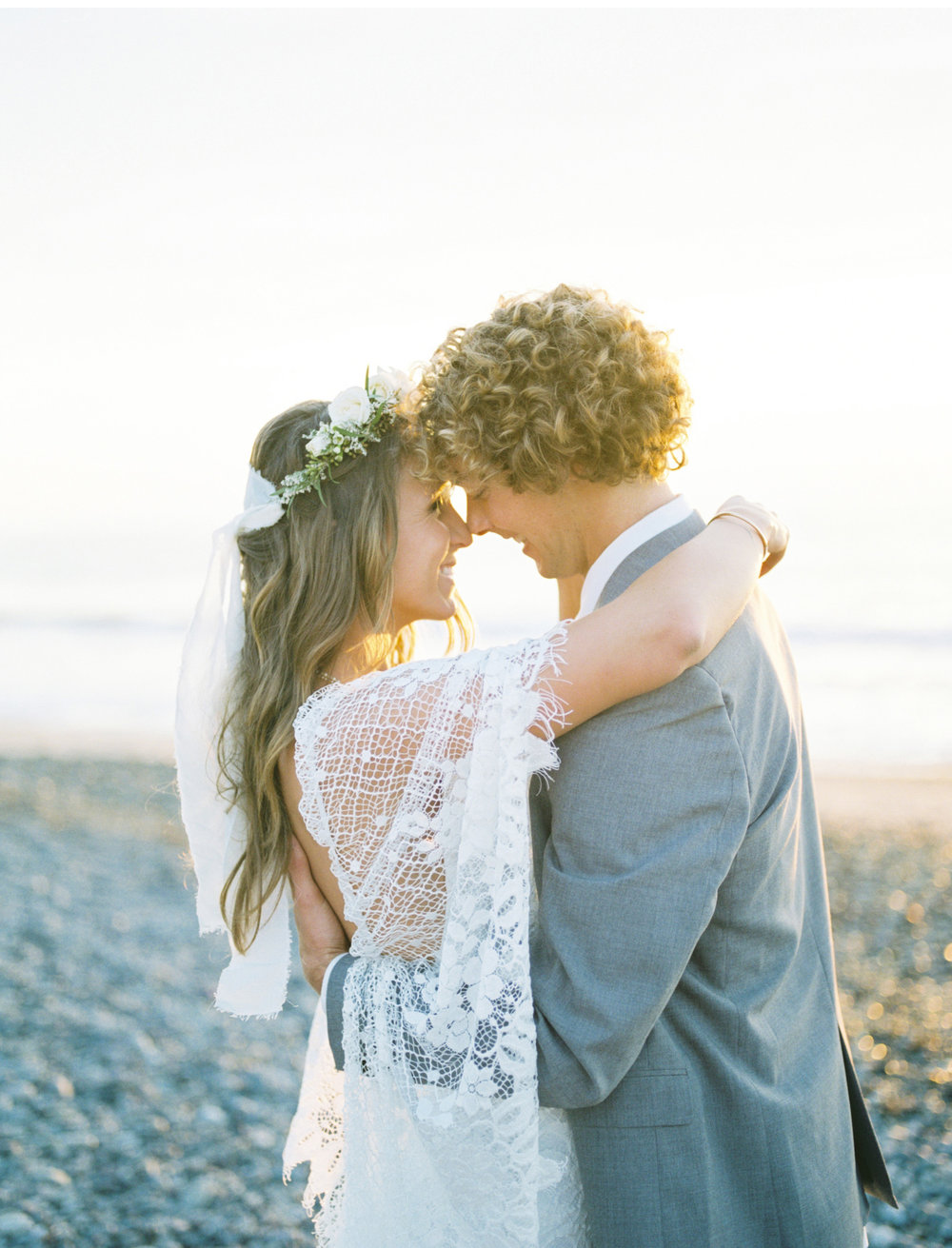 Surf-Wedding-Natalie-Schutt-Photography-Wedding-Chicks_15.jpg