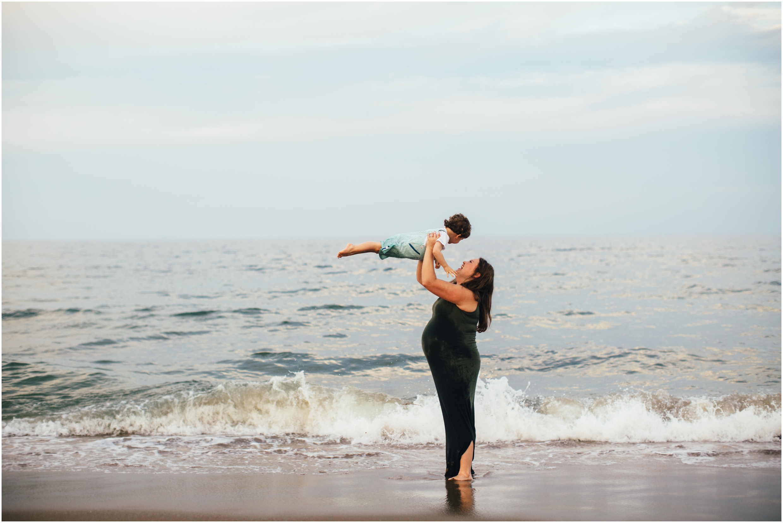 Virginia.Beach.Maternity.Photos_0017
