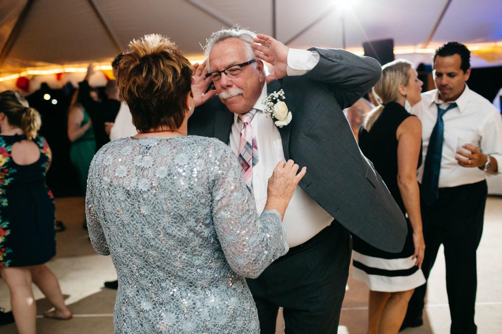 Corinthian Yacht Club | Philadelphia Wedding Photographer | Philadelphia Wedding Photographer