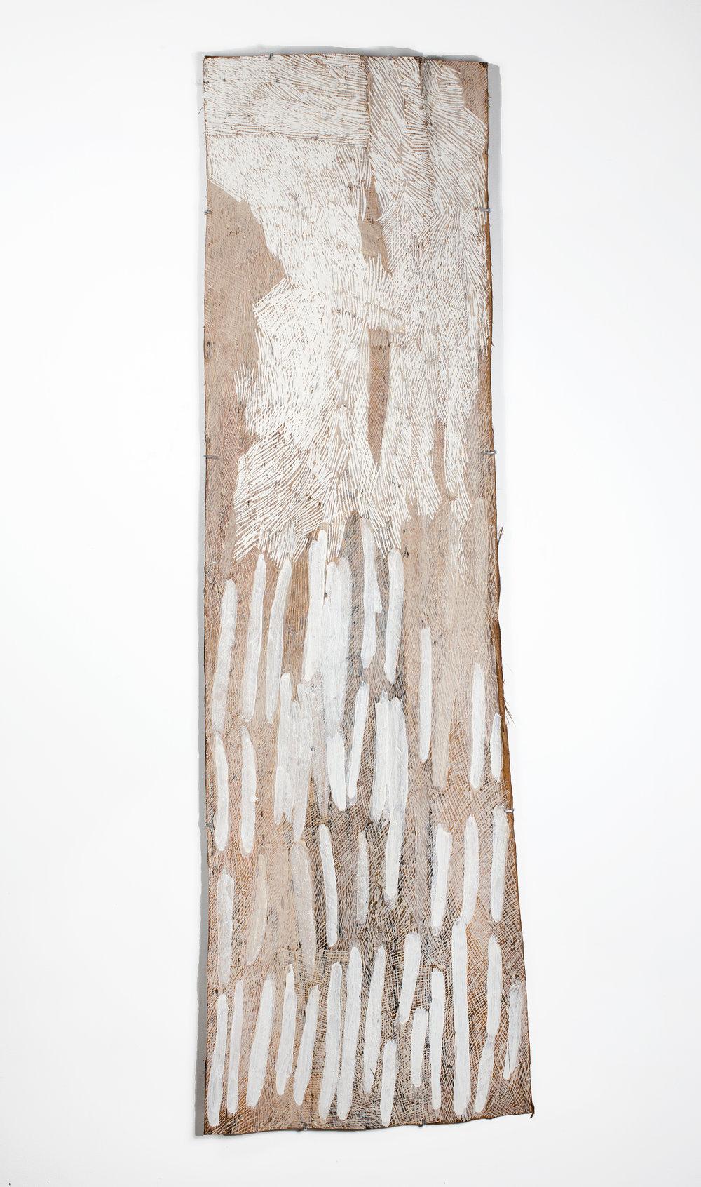 Nyapanyapa Yunupingu,Lines, 2016, bark painting, 192 x 59 cm. Courtesy the artist and Roslyn Oxley9 Gallery, Sydney.